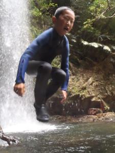 滝つぼジャンプ