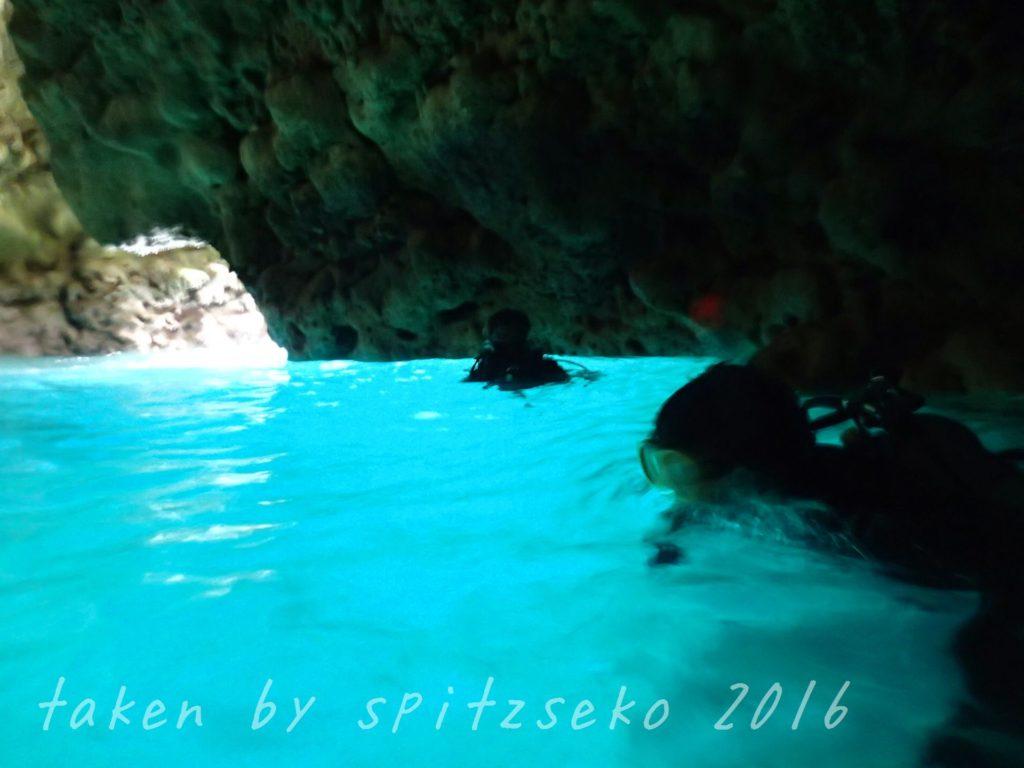 青の洞窟でも記念撮影